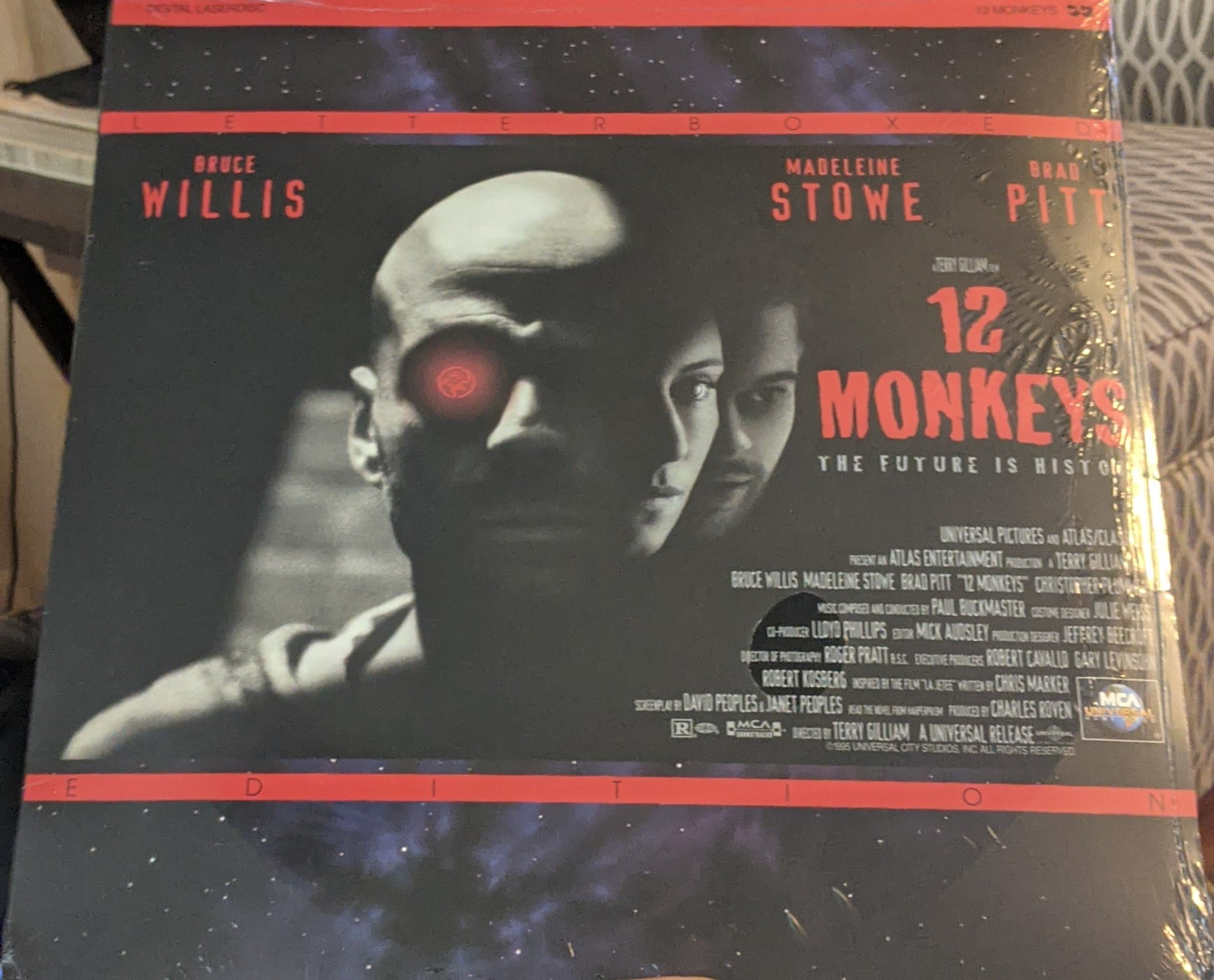 12 Monkeys Laserdisc (Pre owned)